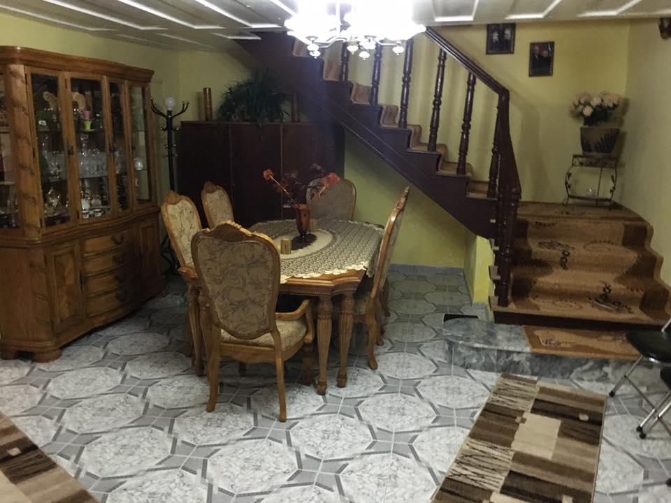 Shitet shtepi private 2 kateshe e restauruar.