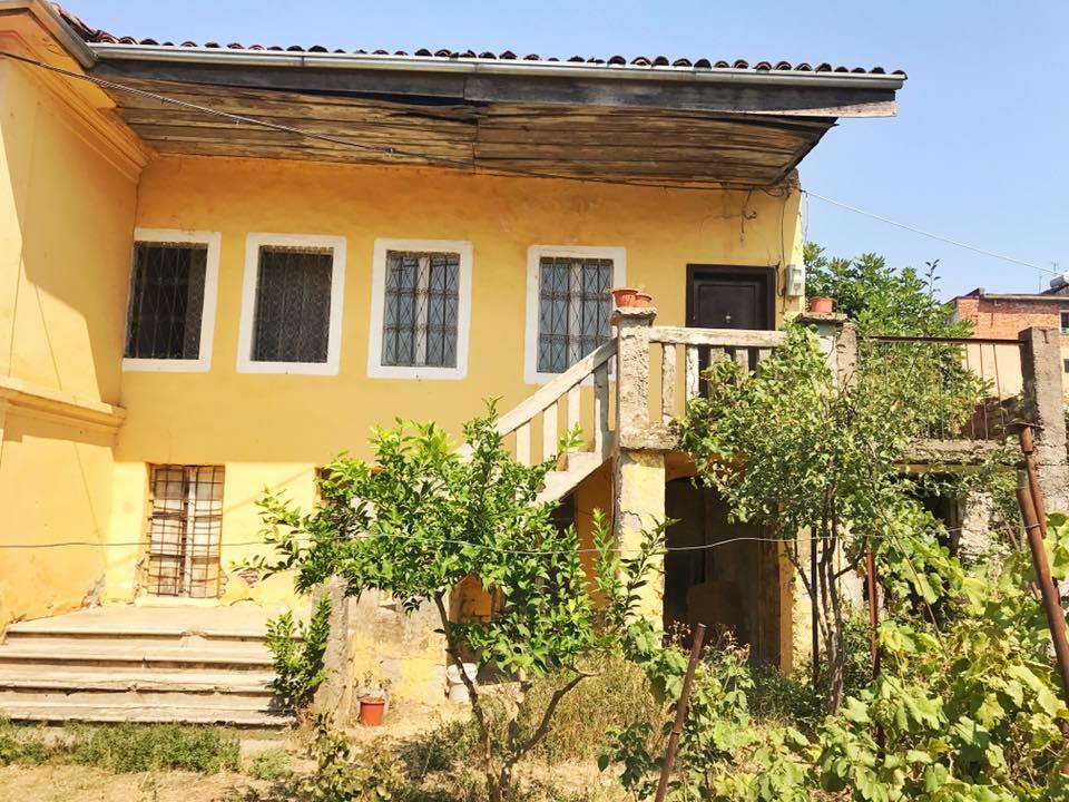 Shitet shtepi private ne L.Dergut Shkoder