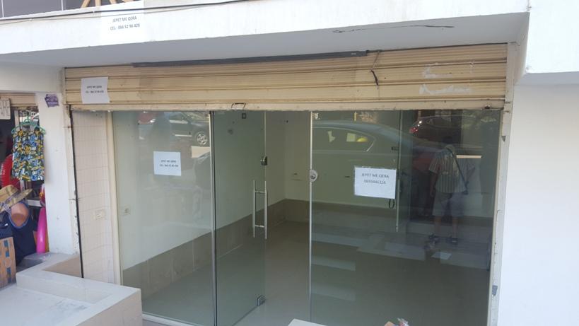 Dyqan me qera
