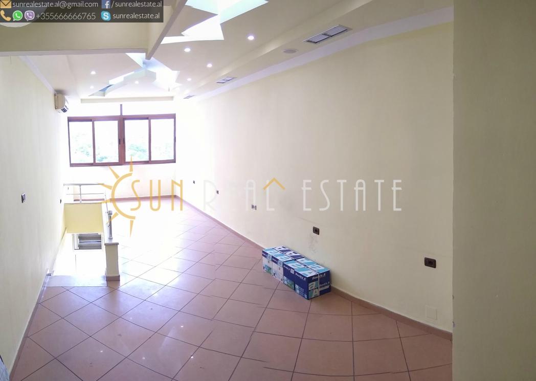Dyqan me qira 39 m2