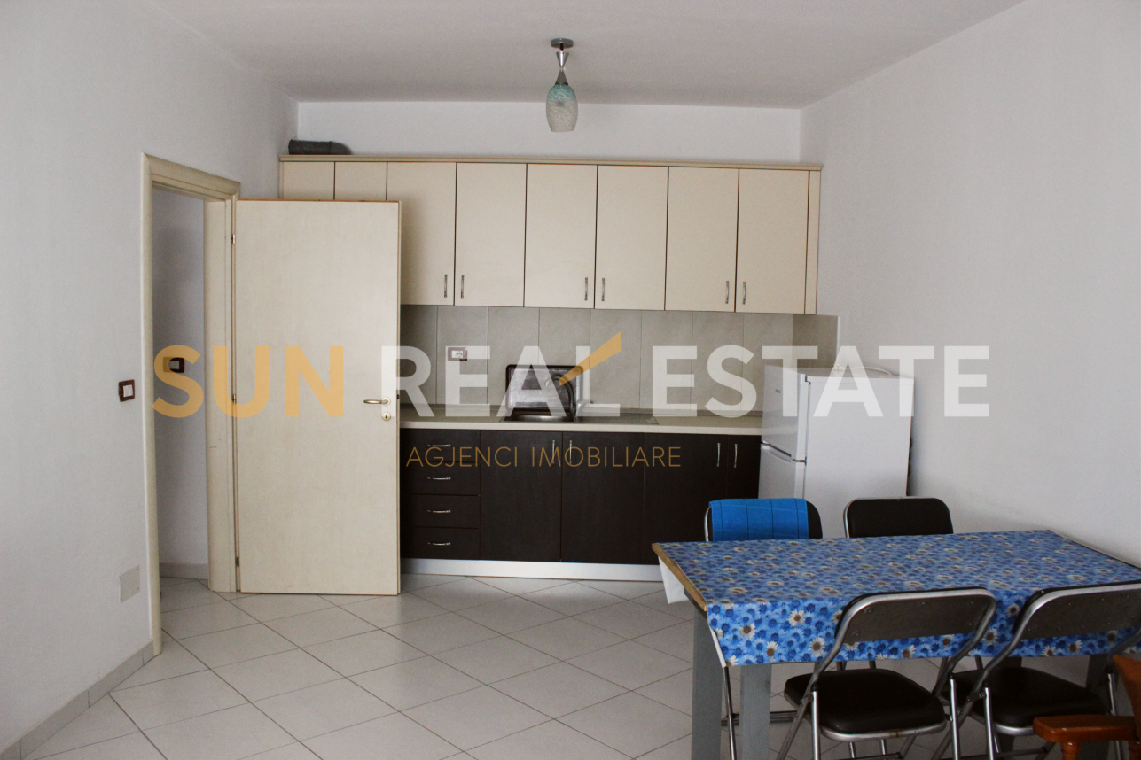 Apartament 2+1 me qira n� qend�r t� Shkodr�s