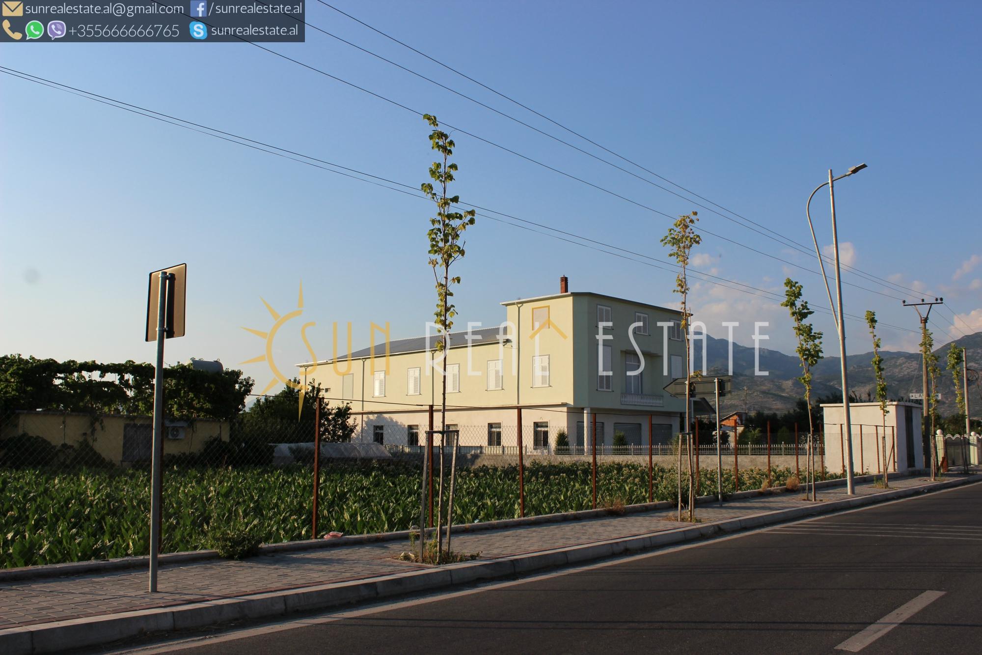 Kapanon + tokë + zyra me qira