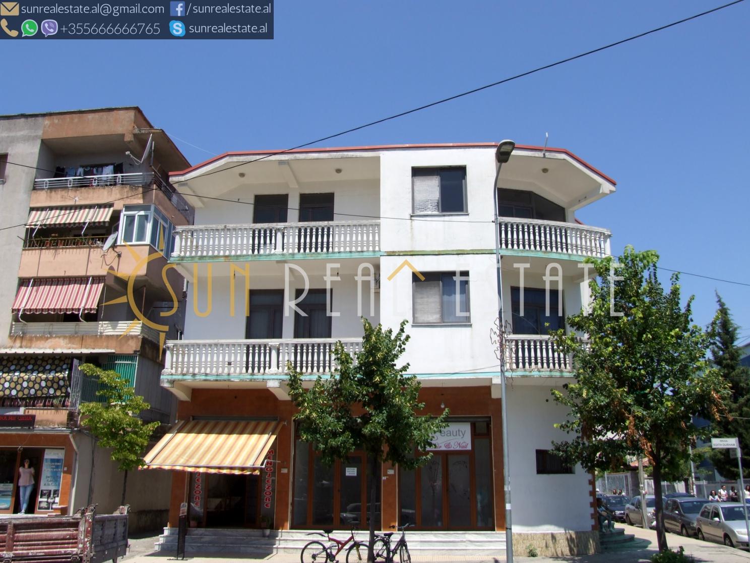 Shtëpi private në shitje në Perash