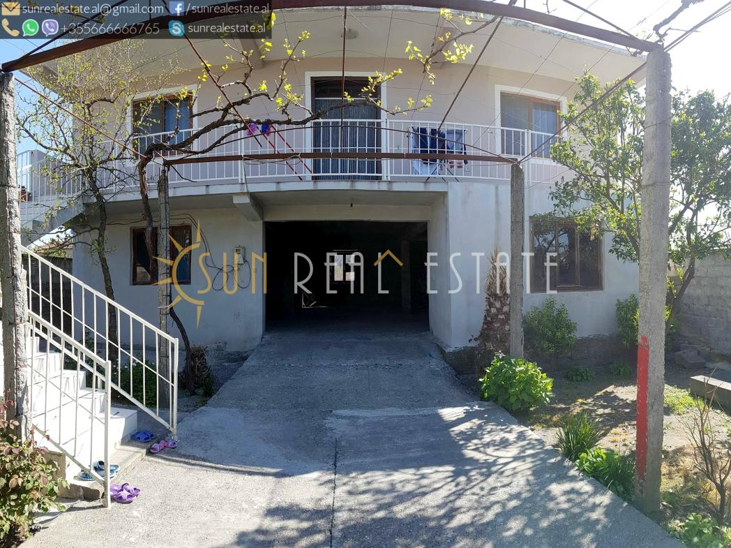 Shtëpi private dy-katëshe në shitje në Bahçallëk