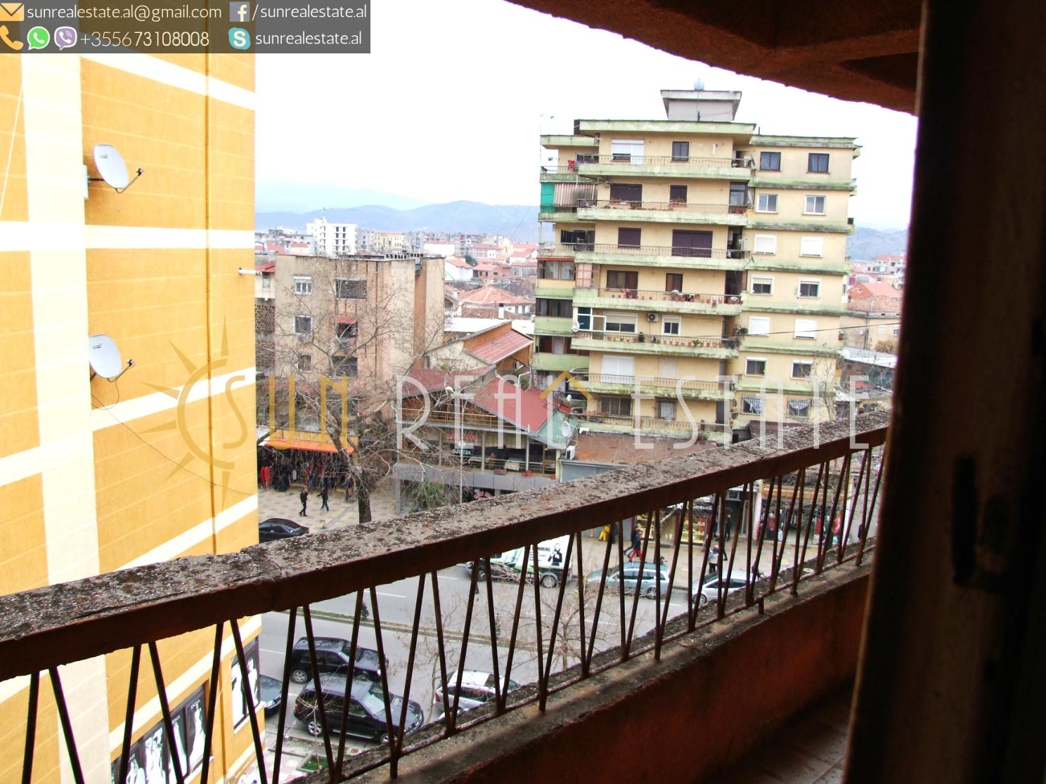 Apartament 3+1 me qira në Rus