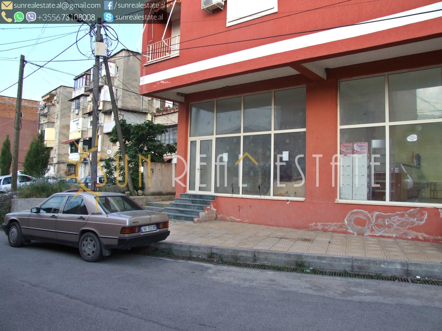 Dyqan në shitje në Perash 1000 €/m²