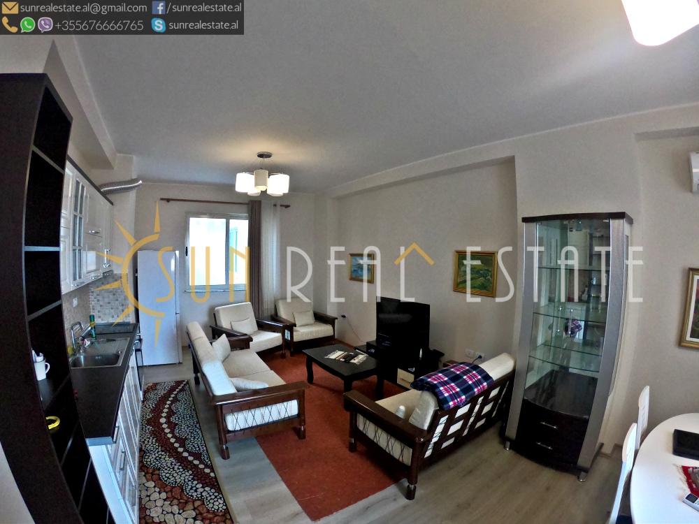Apartament 2+1 me qira në qendër të Shkodrës