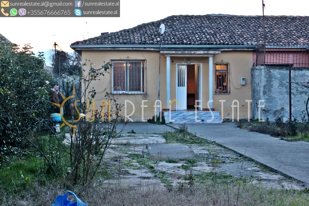 Shtëpi private njëkatëshe në shitje