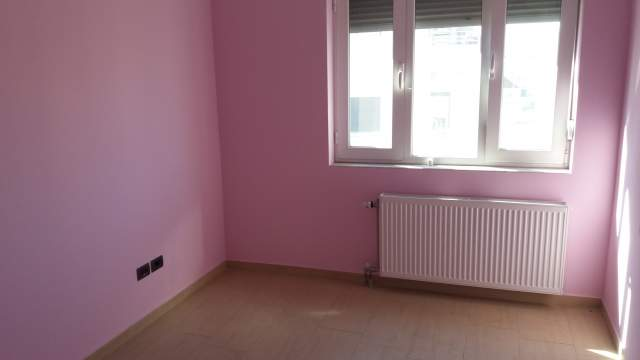 Tirane, jap me qera apartament 3+1+A+BLK Kati 4, 160 m2 300 Euro (Unaza e Re)