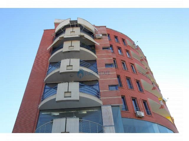 Tirane, shes apartament 1+1+A+BLK Kati 1, 112 m2 62.000 Euro (Liqeni Artificial)