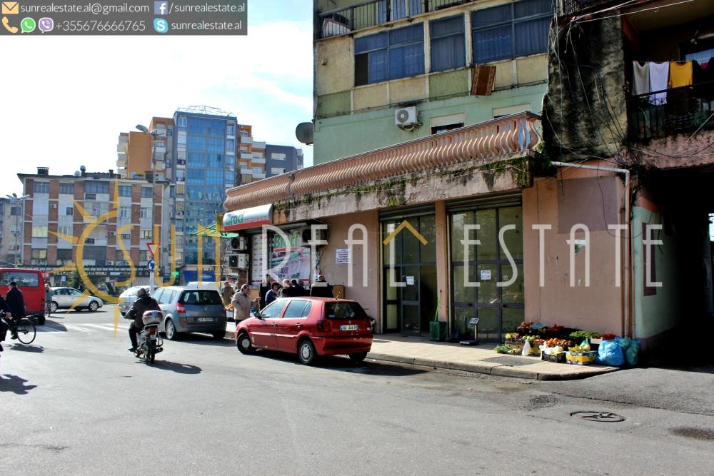 Dyqan me qira në Parrucë