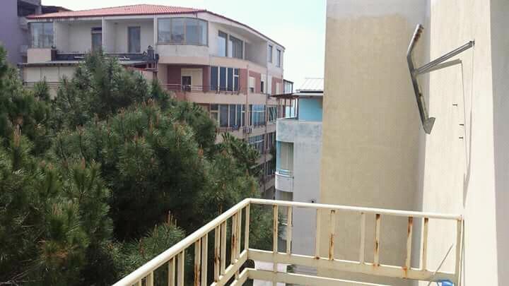 Shitet Apartament 69.5 M2 1+1 I Mobiluar Ne Mes Te Pishave Vija E Dyte Me Dokumentet e rregullta