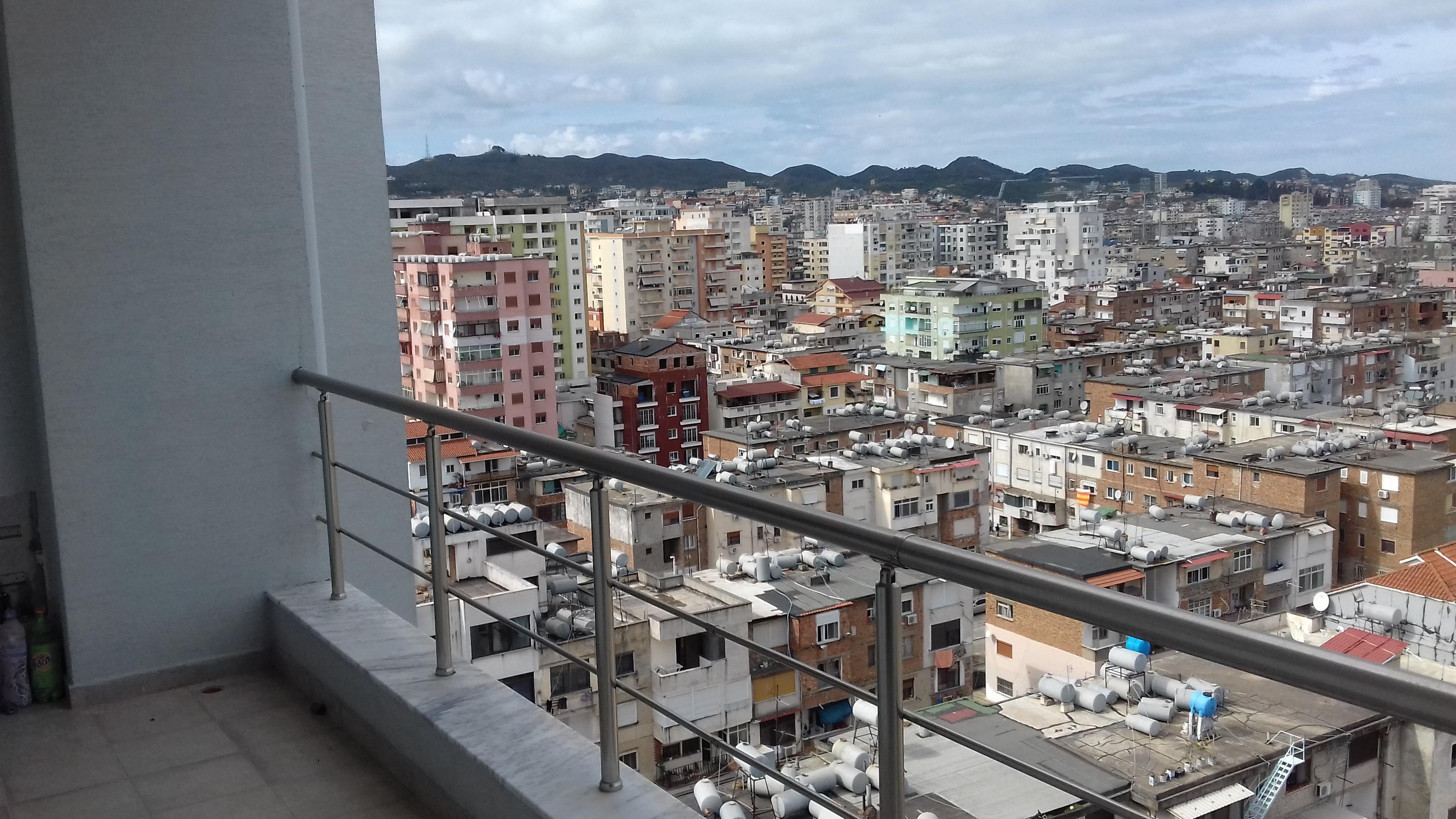 Super Apartamenti sistem ngrohje qendrore cilesi pallat i ri punime cilesore,Ku do Soditni pamjen Piktoreske nga Veranda