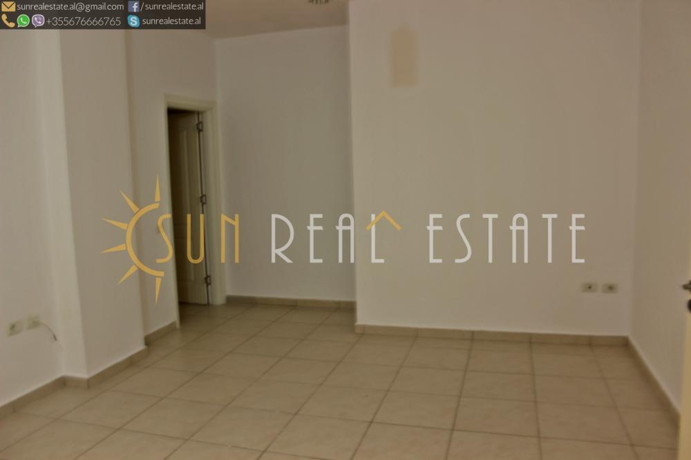 Apartament 2+1 me qira në Sarreq
