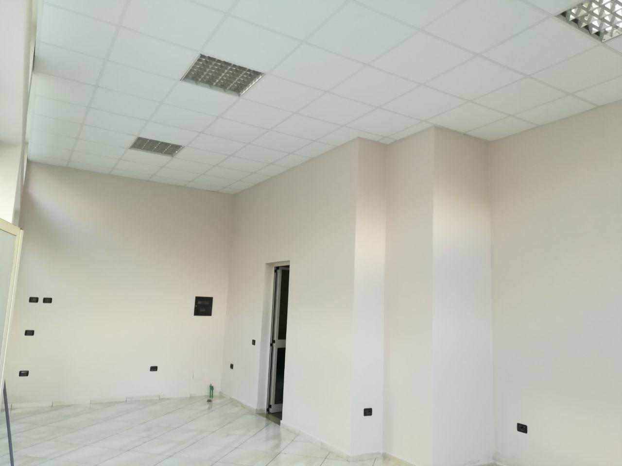 Dyqan 45m2, Vollga Durres