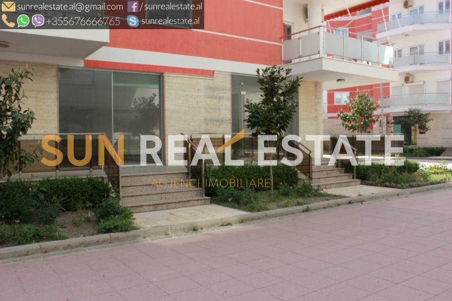 Dyqan në shitje në Velipojë