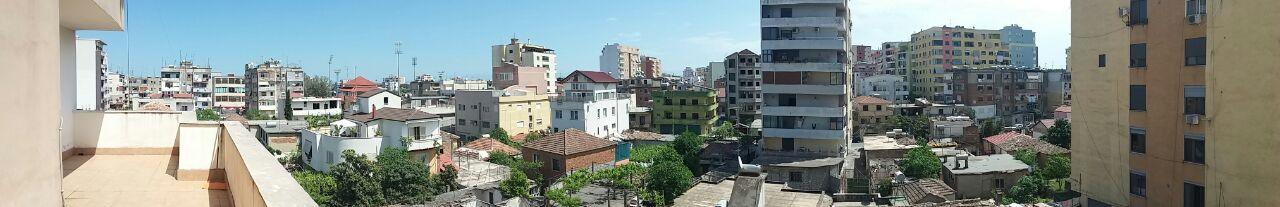 Shitet Apartament ne nje zone te Preferuar Banimi,verande 20 m2 Panoramike nga qyteti Durresit Super Bukur
