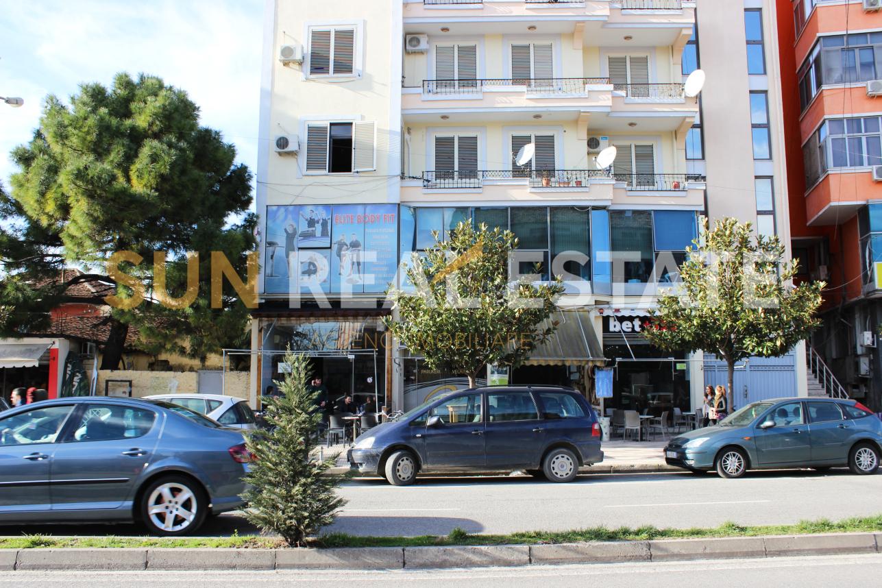 Ambient biznesi me qira n qendr t qytetit t Shkodrs