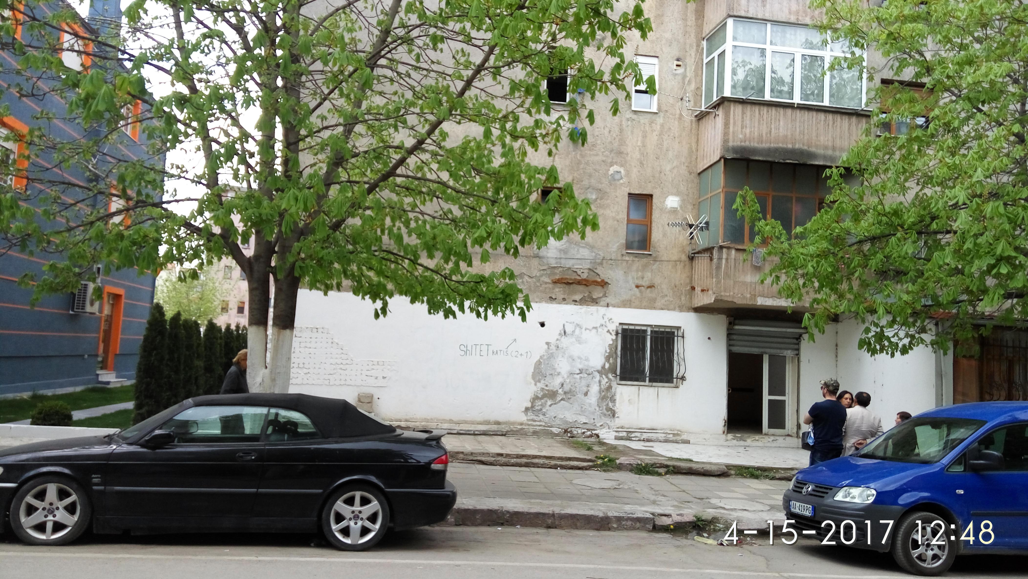 Objekt- dyqan 65m2
