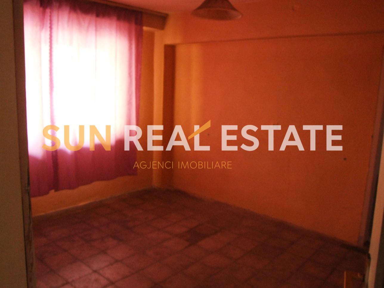 Apartament 3+1 p�r shitje n� Rus.