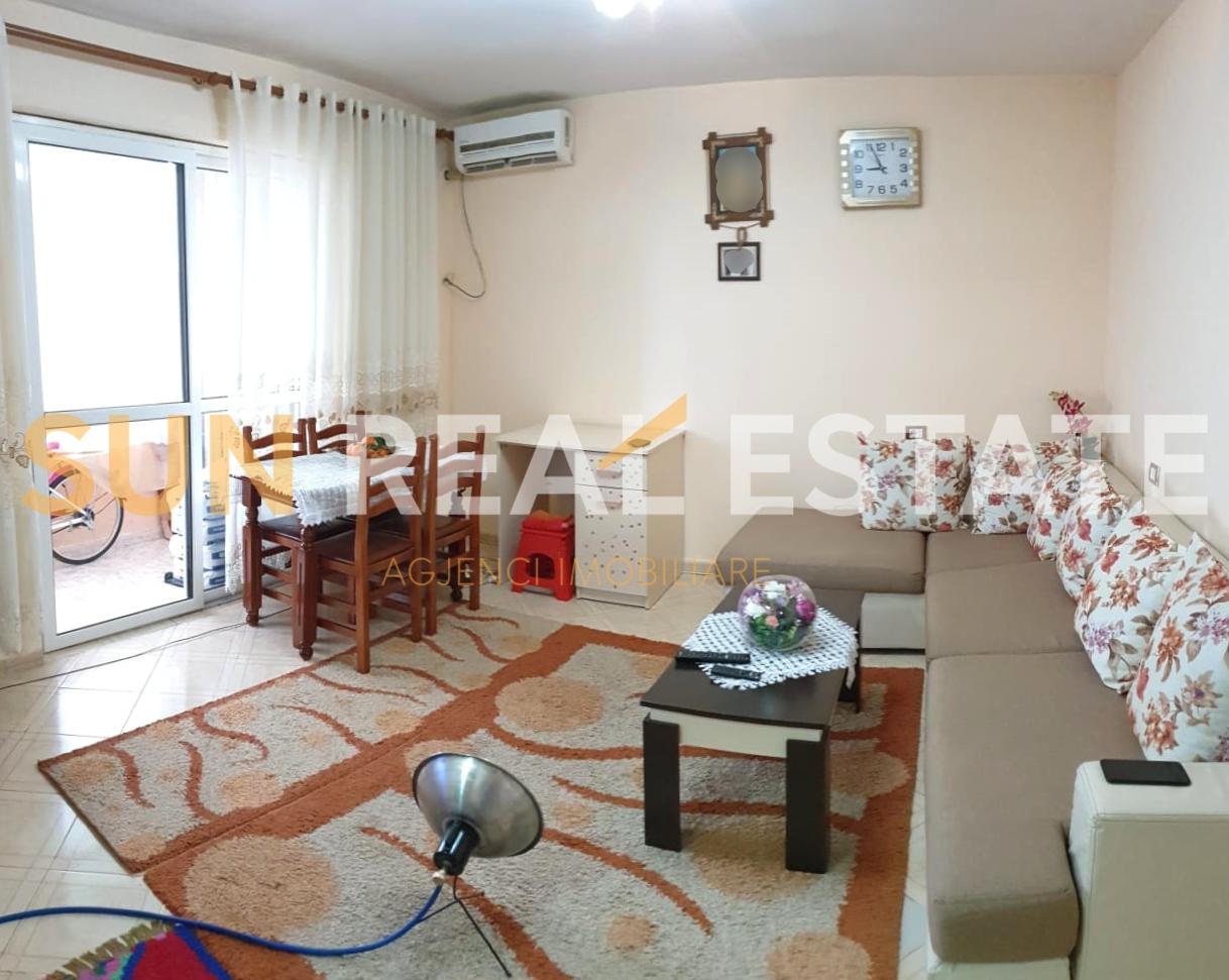 Apartament 1+1 p�r shitje n� Tophan�