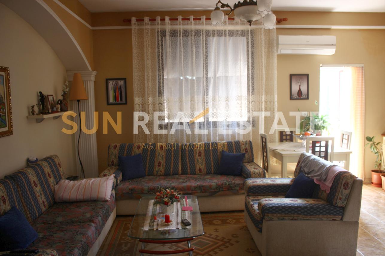 Apartament 3+1 n shitje n Xhabiej
