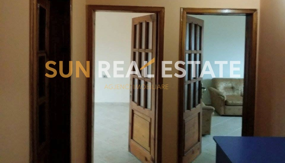 Apartament 3+1 p�r shitje n� Perash