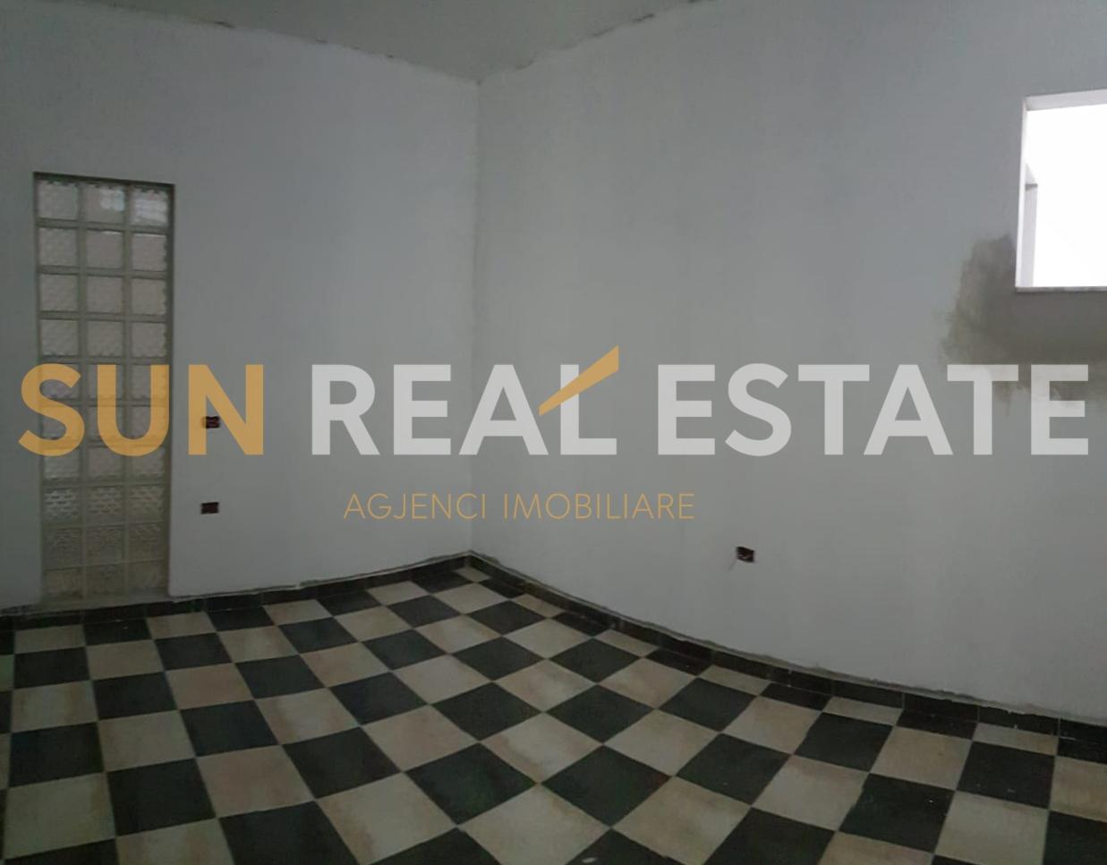 Apartament 2+1 n� shitje te Sht�pia e Pionierit