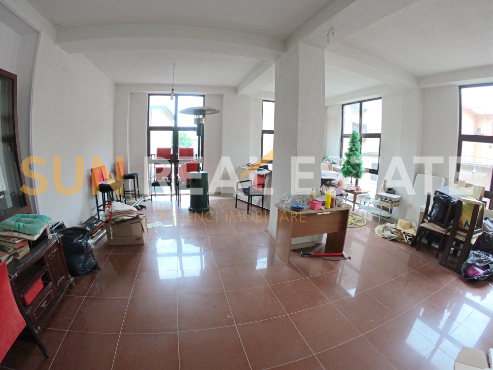 Ambient biznesi me qira te Casa di Milano