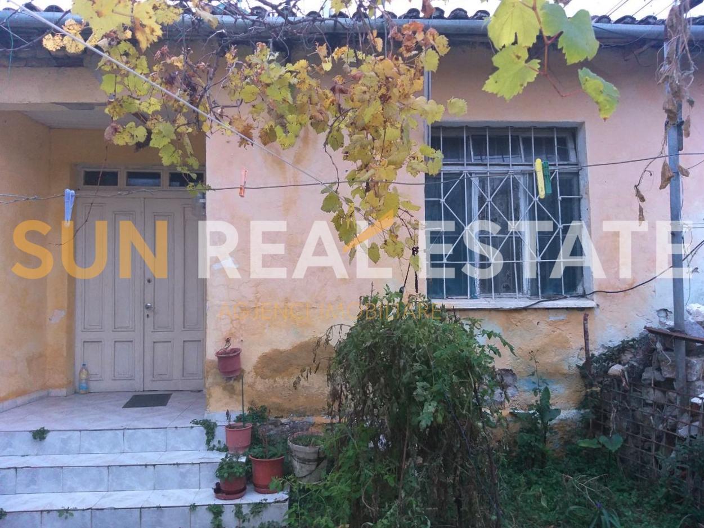 """Shtëpi private në shitje pranë shkollës """"Ndre Mjeda"""