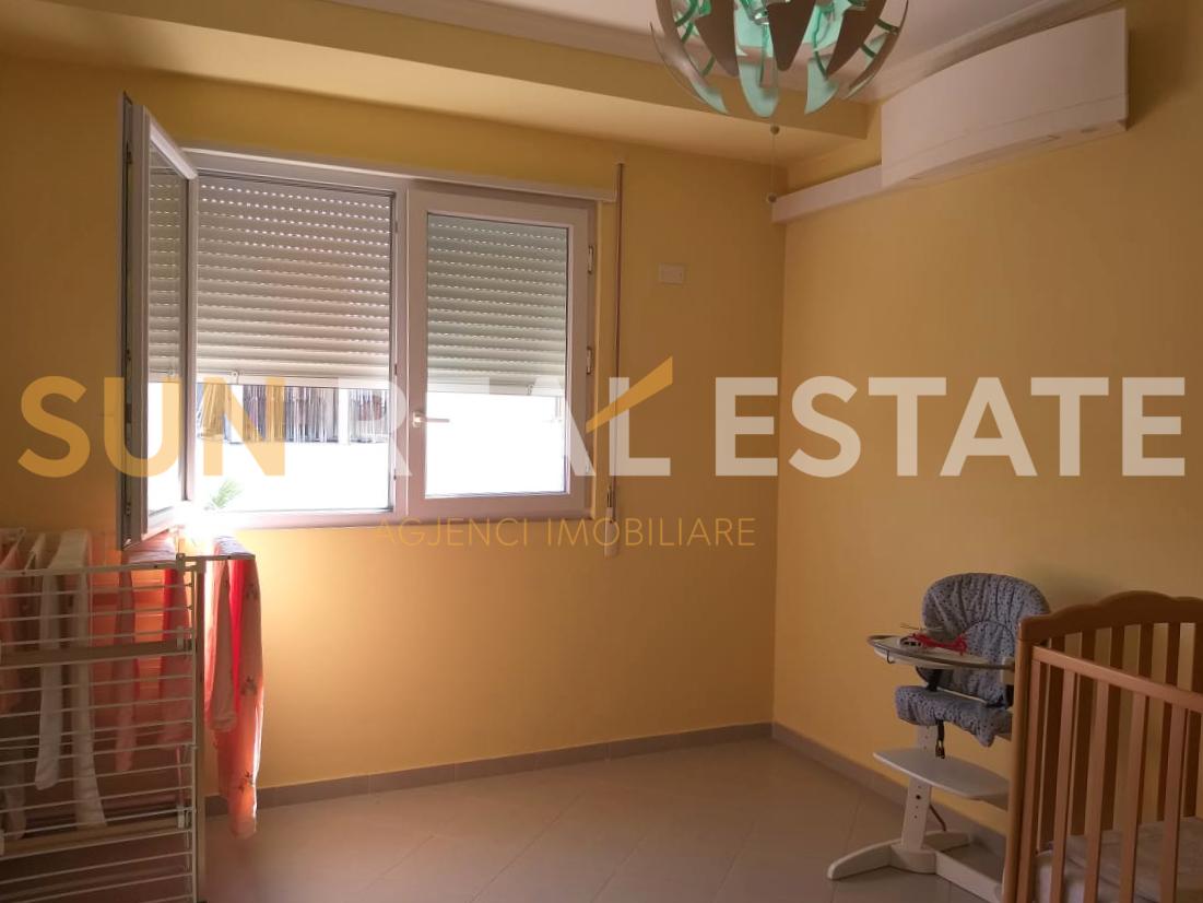 OKAZION: Apartament 2+1 n� shitje tek Ura Dervishbeg