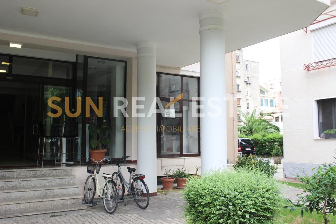 Ambient biznesi n� shitje te Casa di Milano