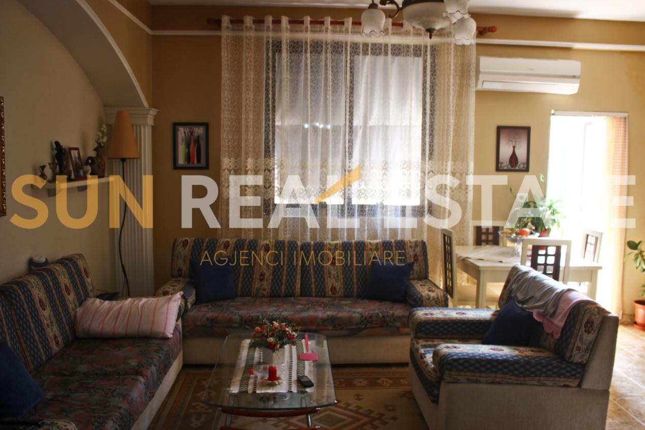 Apartament 3+1 n� shitje n� Xhabiej