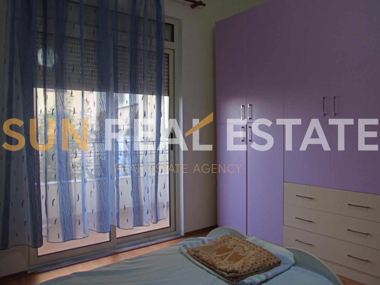Apartament 2+1 me qira pas Rektoratit.