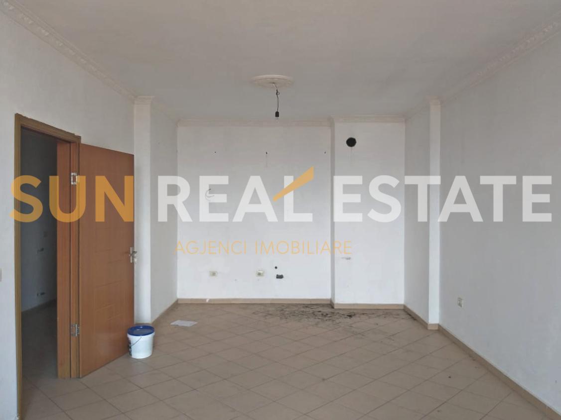 """Apartament 2+1 për shitje pranë """"Traditës"""""""