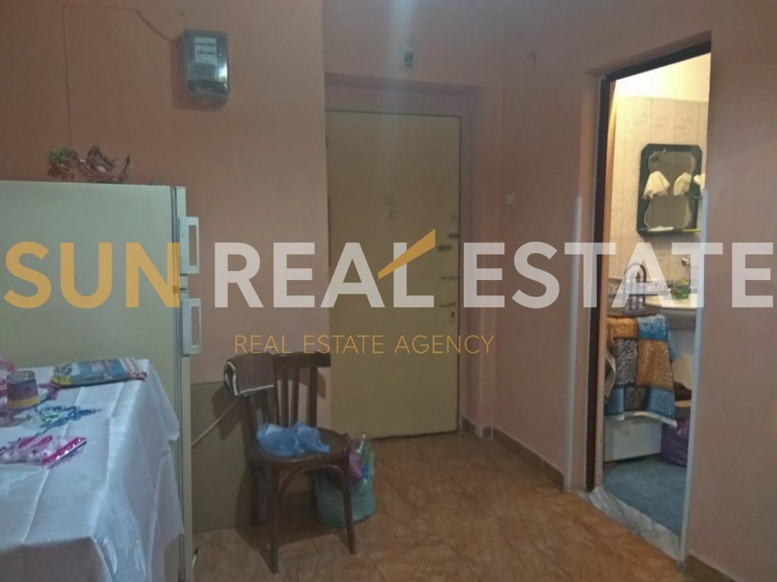 Apartament 1+1 me qira, Rus